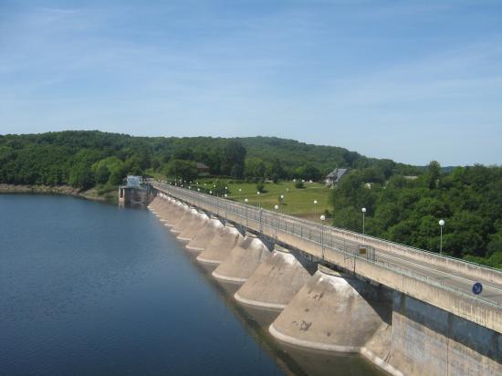 le pont de Pannecière